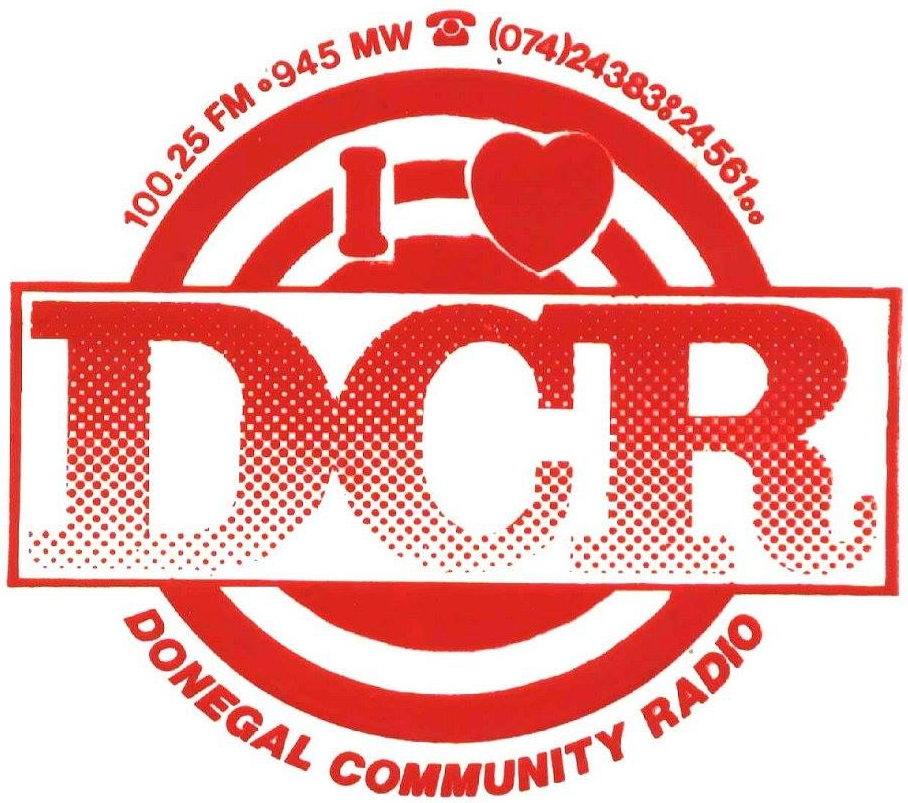 Donegal Community Radio appeared in September 1986 on 98.2MHz and 104.5MHz from Letterkenny.  Address was 4 Main Street, Letterkenny and telephone number was 24383. It closed in 1988 in the hopes of winning one of the new licences.