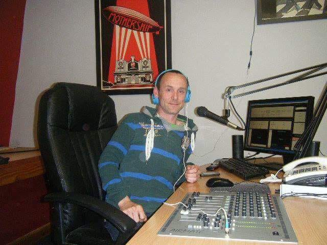 Dreamtime Radio broadcast on 90.9MHz FM for five years under a licence from the Broadcasting Authority of Ireland. The broadcasts were specifically for SOS Dreamtime and so were limited in range. The licence was granted in April 2012 and this followed a successful temporary licence run in 2010