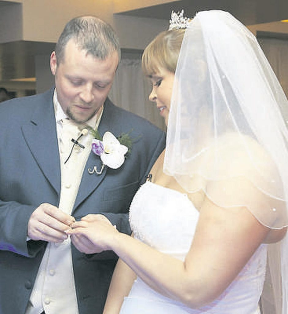 South-east regional station Beat 102-103's social experiment '2 Strangers & A Wedding' reached its climax yesterday when Bébhinn O'Keeffe met Alan Healy, the man she was about to marry, for the very first time - at the Altar!