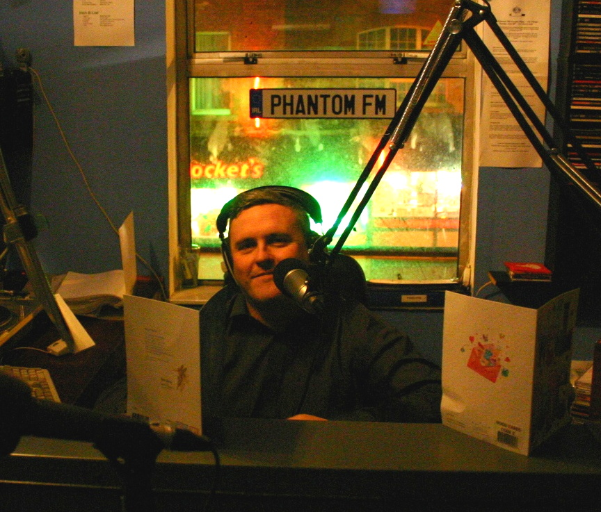This is Steve Conway recorded live on a Christmas morning on Phantom FM, the alt-rock Dublin-based pirate station.