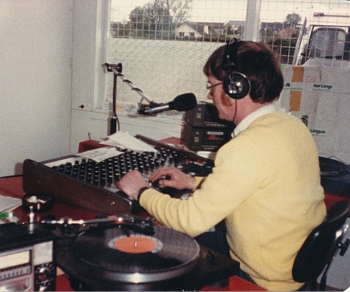 From Mullingar in Co Westmeath this is Dave Murphy (pictured) on Midway Radio, recorded from 104.7MHz FM.