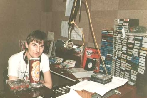 This is Keith York (right) from Monday, June 13th 1983, on the Cork pirate South Coast Radio. The recording was made from 104FM.  We join the show as it enters it's third hour just as the 7pm News finishes.