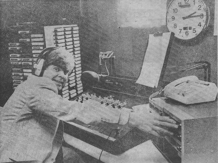 This is Chris Cary on Radio Nova from Dublin. The recording is off 846kHz and starts at 7.30am on Wednesday, November 25th 1981. Terry Riley reads the News.