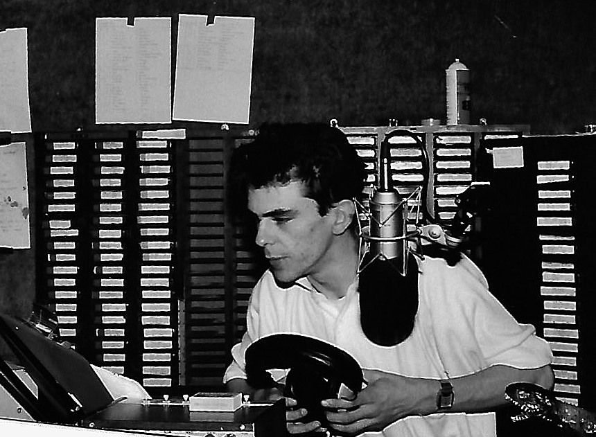 This is Ernie Gallagher (right) on Energy 103 overnight on a Saturday morning over the festive period in December 1986. The recording starts at 2.09am.