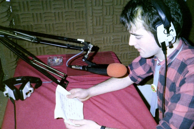 This is a recording of Greg Gaughran on Dublin pirate Q102 from October 16th 1985. We join the show at 5.10pm.  Gary Hamill reads the News (pictured).