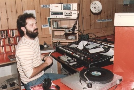Broadcasting across the Radio Carousel Network this is the 'Kieran Murray Mid-Morning Musical Mixture' from 9.41am on October 27th 1983.