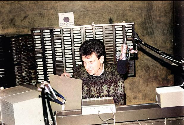 From October 8th 1987 this is a recording of Dublin pirate station Energy 103. First we hear the end of Tony McKenzie's show from 1.40pm. Then we join Cassidy Jones for his show from 2pm. Lisa Moore reads the News.