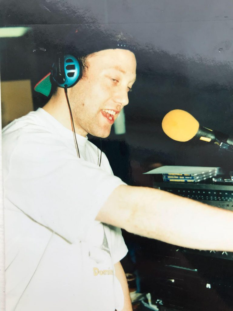 This is Dave Adams (pictured) on the Kiss 103 Breakfast Show from 7am on October 25th 1994. Kiss 103 was a Dublin-based pirate station.