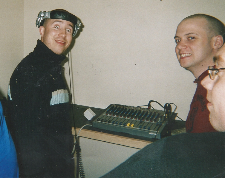This is a recording from the launch night of the Dublin pirate station Sugar FM. After a few months on test, Sugar FM launched on 92.0MHz FM on the evening of March 1st 2004 with most of the presenter line up in the studio to say hello to the listeners. First on the mic is Al Murray & Ivano Cafello. They're followed by Jason McKay. Next is Mike O'Brien in the company of Wayne Scales. Then we hear from Dave C & Lar Wright.
